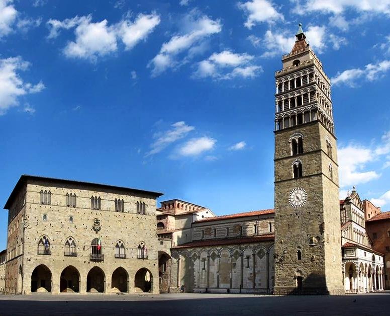 Parte Guelfa Cattedrale di San Zeno e San Jacopo Pistoia big