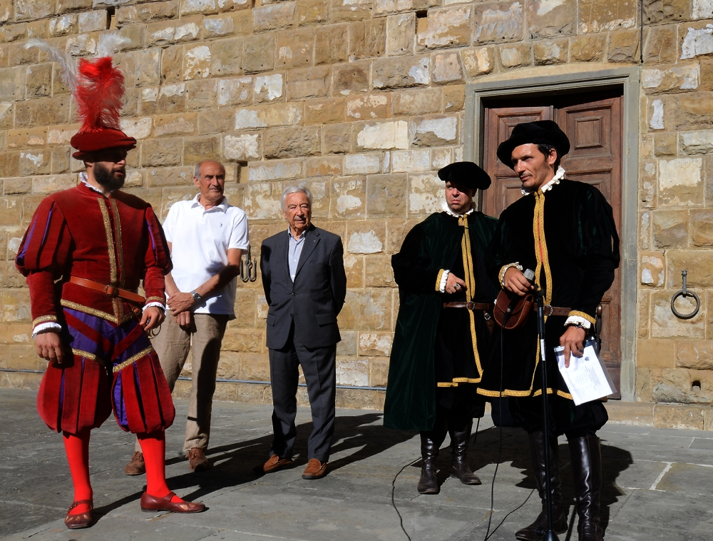 Parte Guelfa Giostra del Giglio 2017 cerimonia distribuzione delle lance in Piazza della Signoria magnifico messere Andrea Ceccherini e console Luciano Artusi