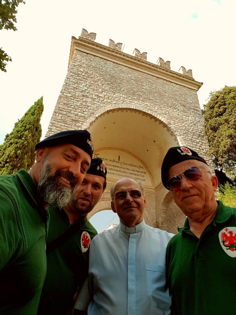 Parte Guelfa Assisi Pellegrinaggio 2017 Alberto Bellini Mons. Vasco Giuliani Dimitri Caciolli Andrea Claudio Galluzzo